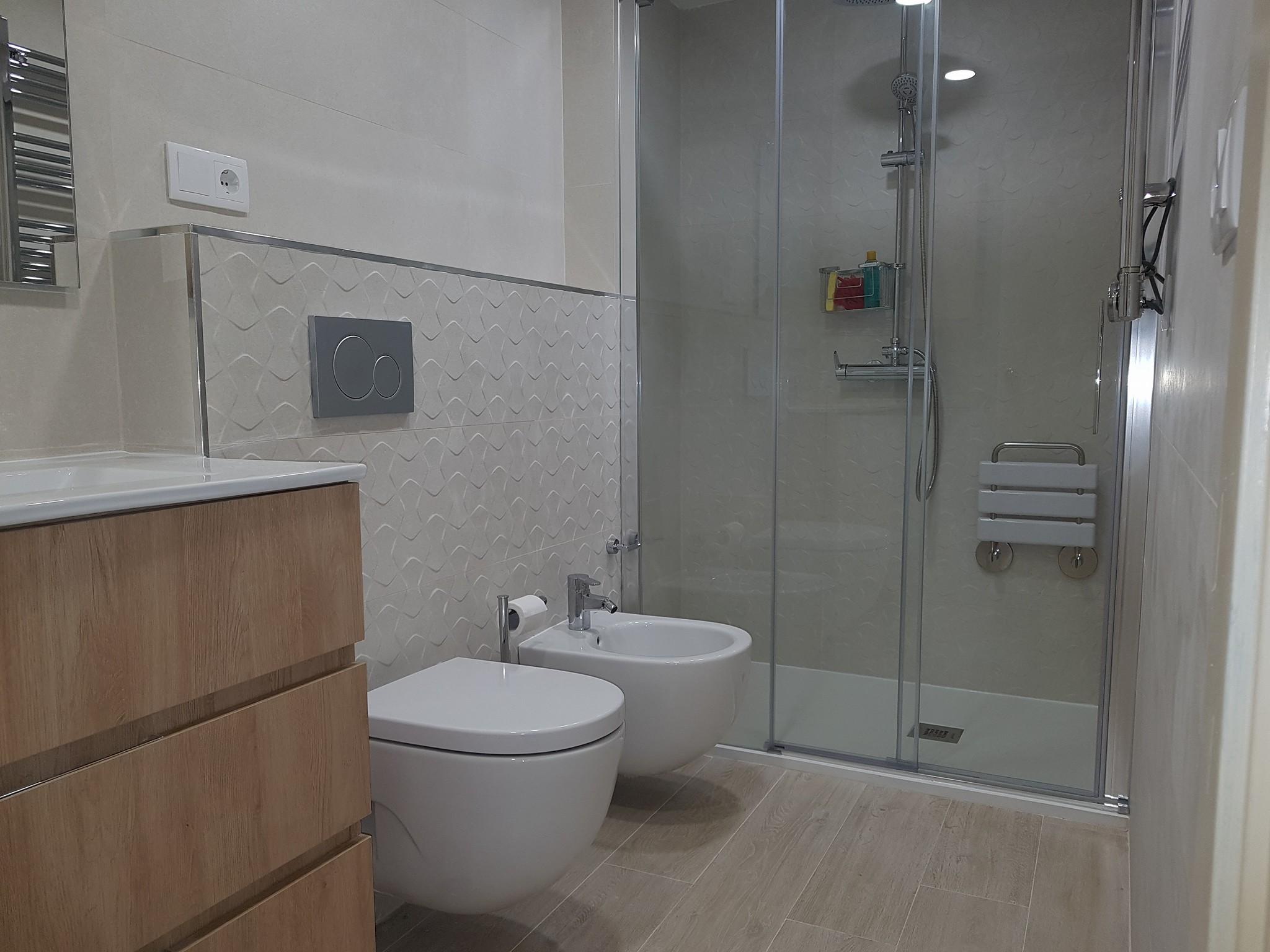 Ducha, Inodoro, Mueble de baño